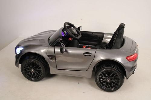 Детский электромобиль О008ОО Mercedes-Benz GT серебристый глянец